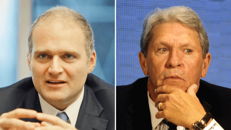 Major Advisory Firm Backs $84 Million Payment to CSX CEO Harrison
