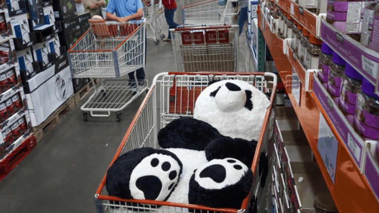 Here Is What Costco Should Do to Keep Amazon From Being the Largest Company on Earth