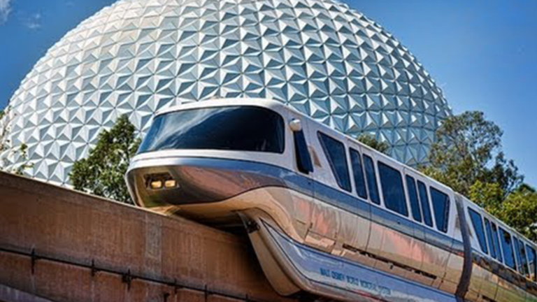 Disney Shareholders Brace for Bumpy Earnings on Road to 2018
