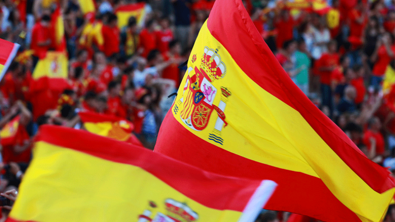 European Markets Mixed, Euro Falls on Spain Turmoil