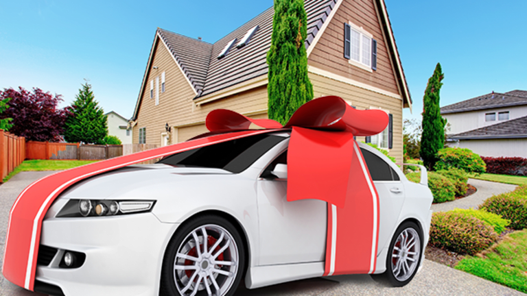 Questions You Must Ask a Car Salesperson to Avoid Getting Ripped Off Big-Time