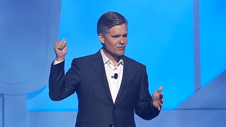 Walmart Focuses on E-Commerce and Cost Cutting at Annual Shareholder Meeting