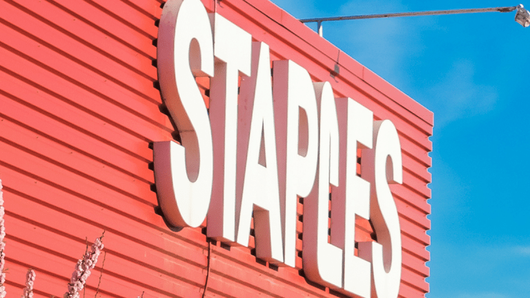 Staples Announces Black Friday, Holiday Shopping Deals