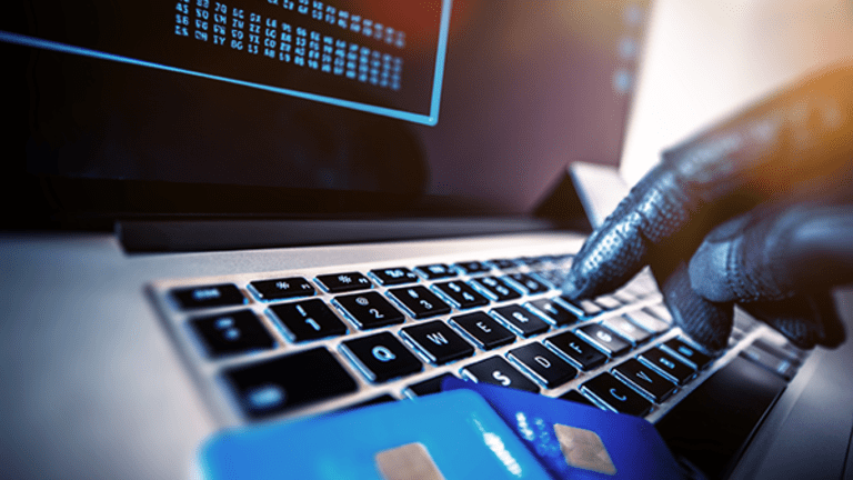 Take These Steps If You Get a Debit or Credit Card Fraud Alert
