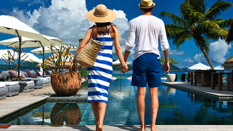 How to Save for a Vacation on a Tight Budget