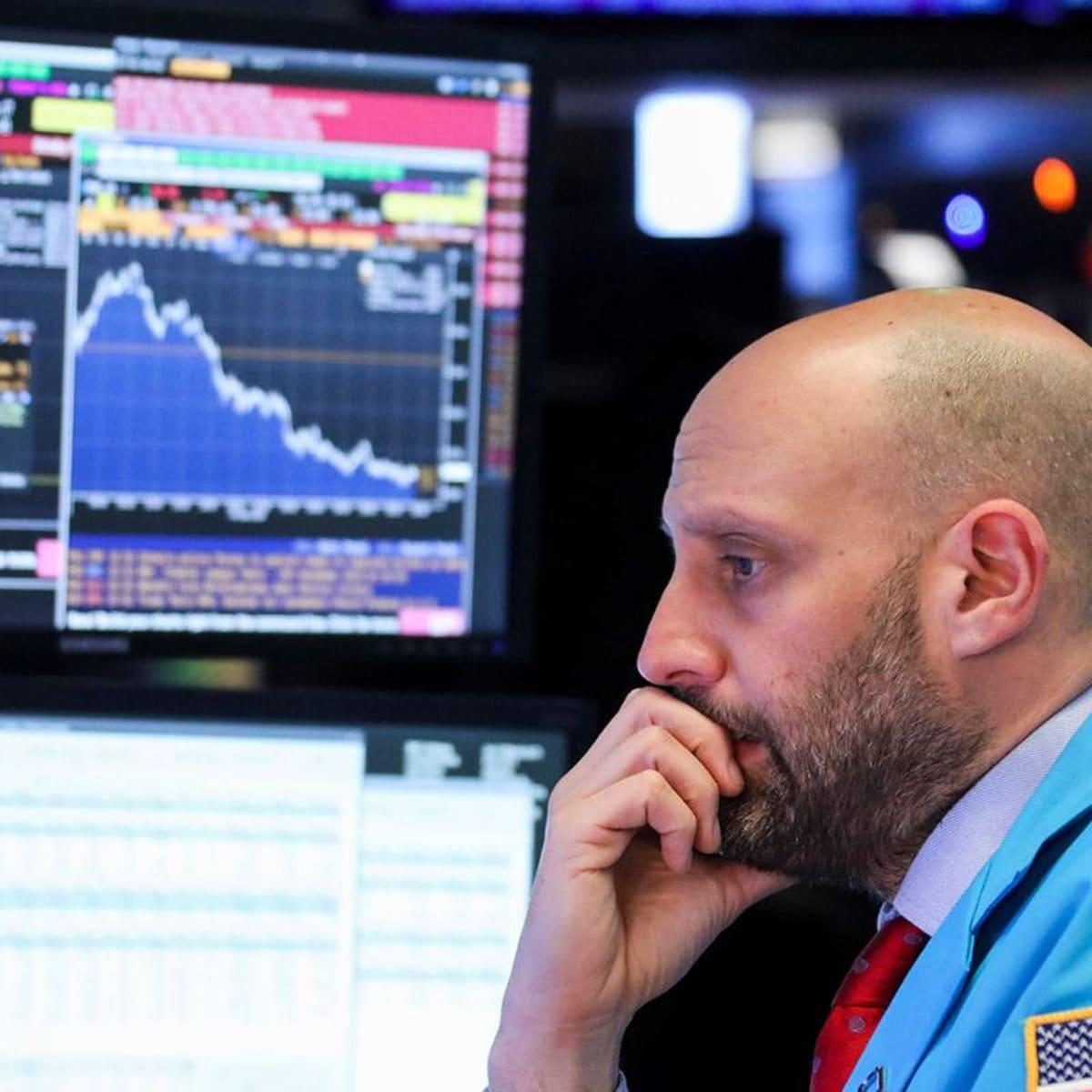 Global stocks move higher in 2017