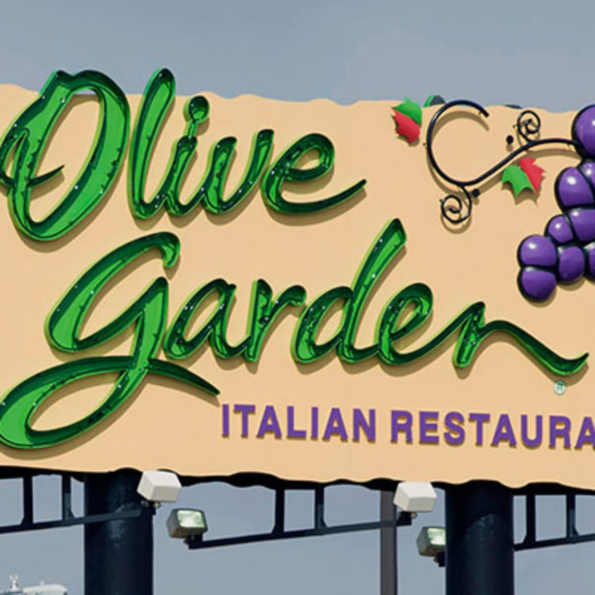 Spaghetti Pies Explain Darden Owned Olive Garden S Comeback