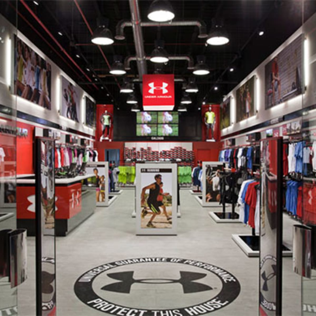 Naturaleza Mantenimiento patio de recreo  Under Armour (UA) Moves to Control Own Future by Opening 200 New Stores in  2016 - TheStreet