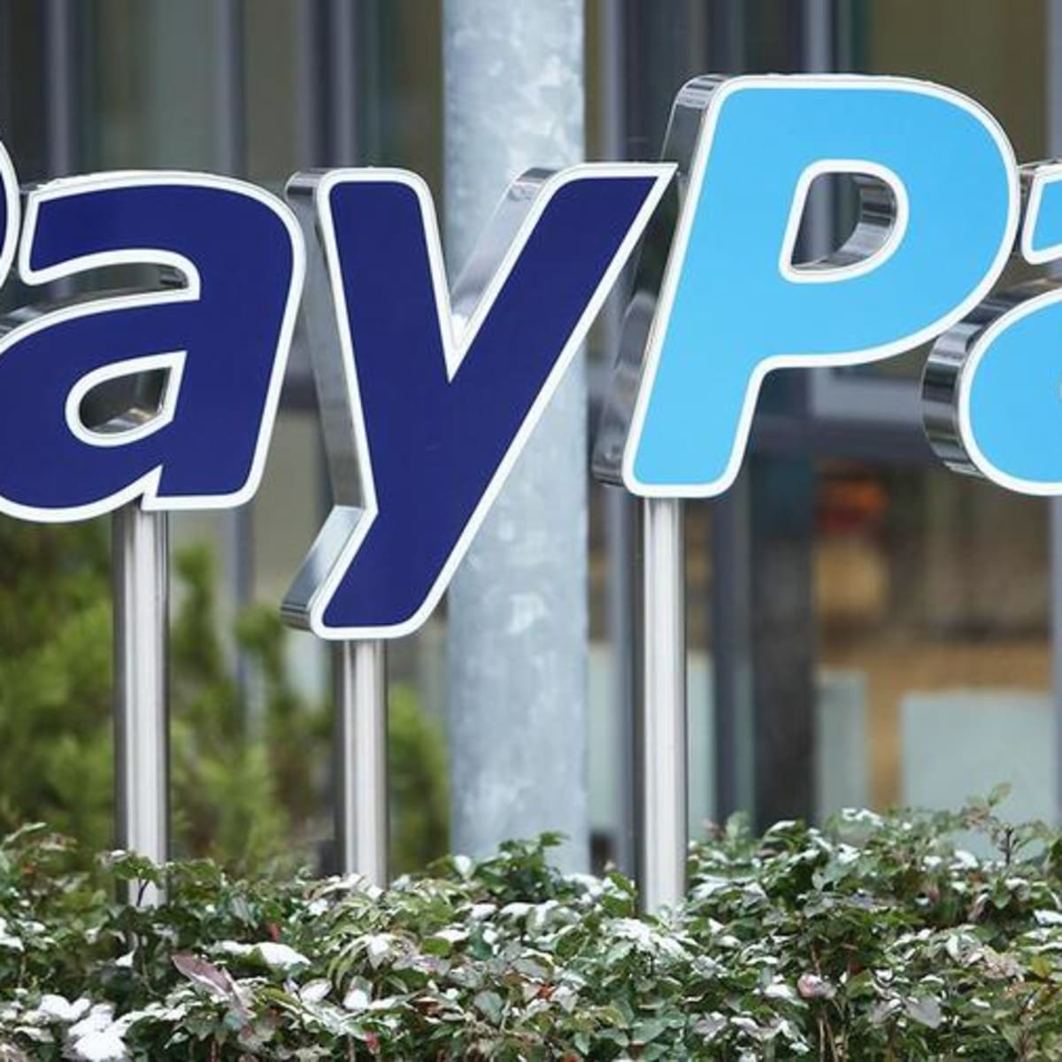 thestreet.com - Eric Jhonsa - New Survey Shows How Bitcoin Is Giving PayPal a Boost