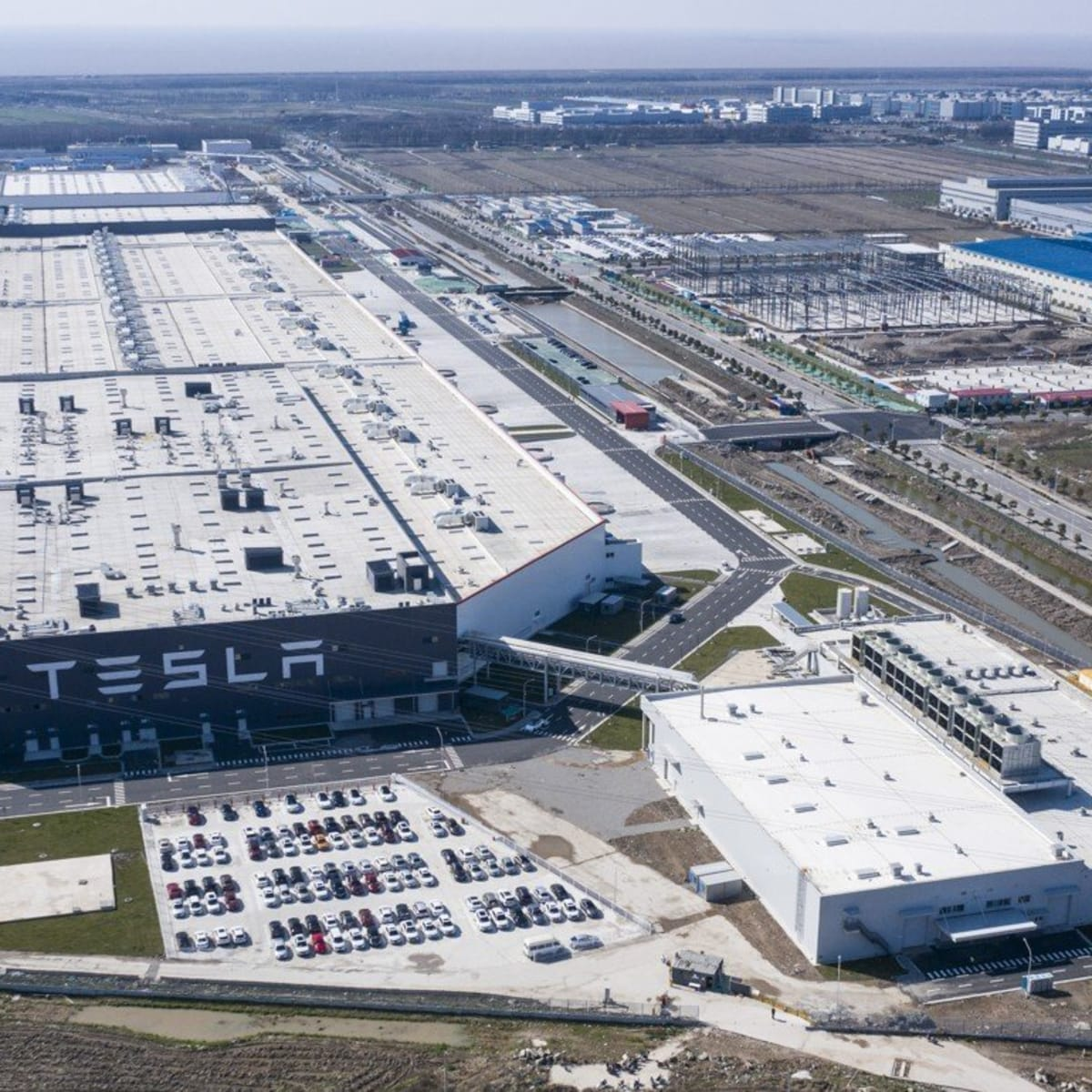 Tesla Wooed With Tax Breaks To Build Texas Gigafactory Thestreet