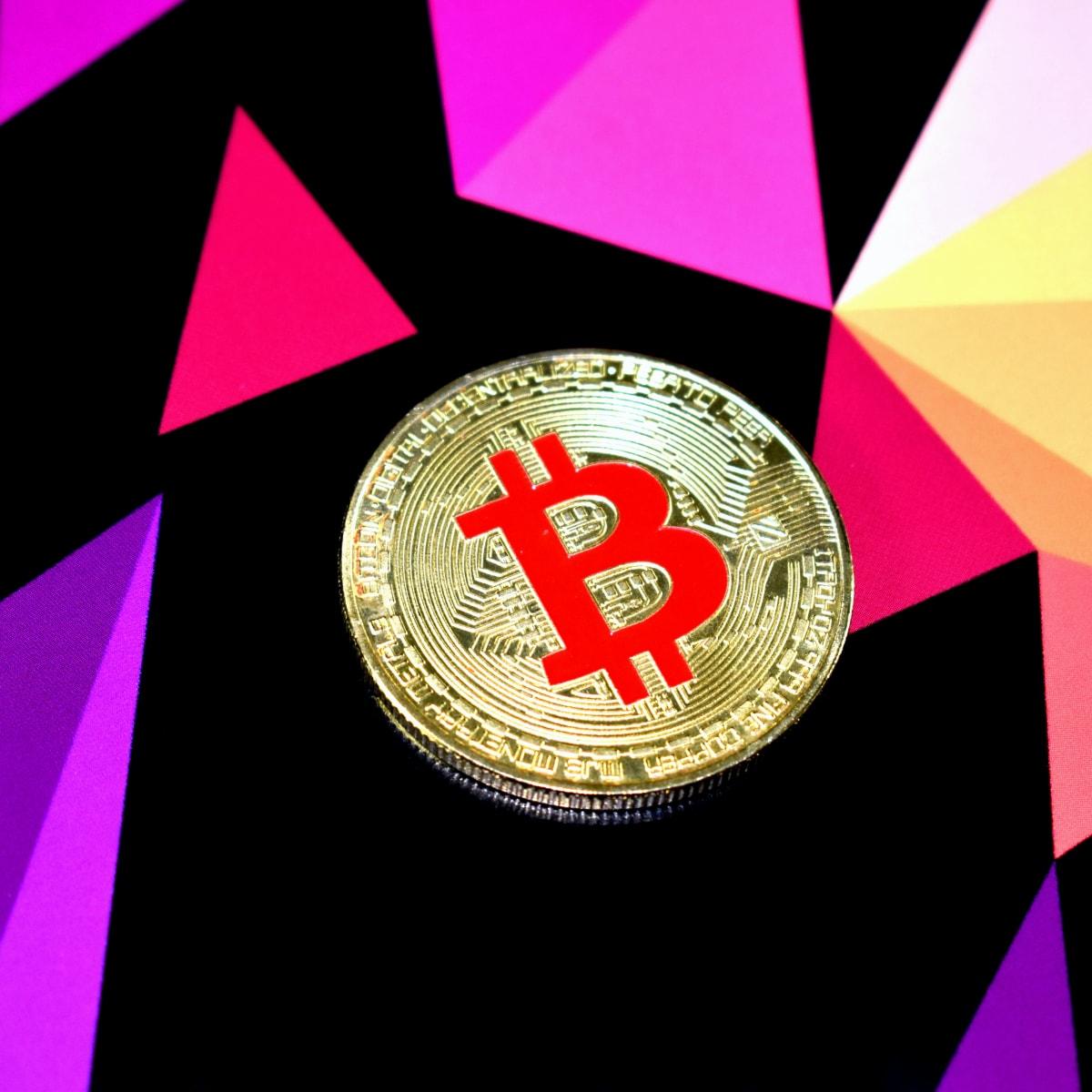 investiții bitcoin ușoare noi brokeri legali de opțiuni binare