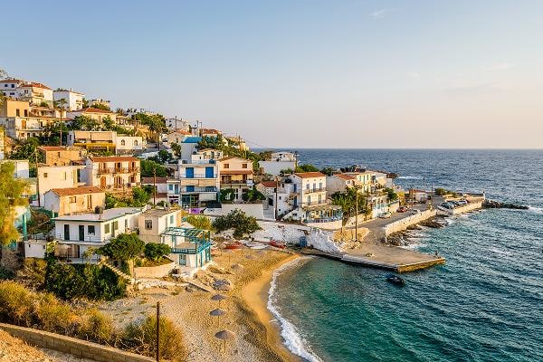 1. GreeceAlmost all expats (96%) rate the climate and weather in Greece positively. Fifteen percent said that the main reason why they moved to Greece was for a better quality of life.Photo: Shutterstock