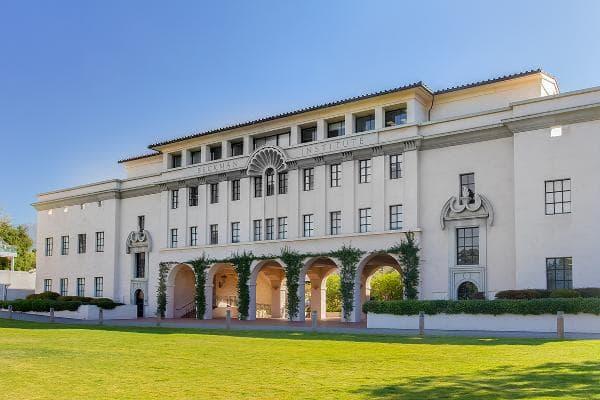 California Institute of TechnologyPasadena, Calif.Popular majors:Engineering/applied SciencesComputer/information ScienceMathematics/statisticsPhoto: Ken Wolter / Shutterstock