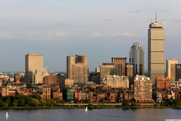 Ask a Bostonian, and he'll tell you that it's wicked expensive to live in the metro Boston area. That may sound like the usual grousing among locals, but the numbers also don't lie: of the 27 metropolitan areas surveyed by HSH.com, Boston ranked near the bottom on the affordability list. What does that mean? The average home price is a whopping $393,600, requiring a monthly payment of nearly $2,000 on a 30-year fixed mortgage. But the city is on the move in the right direction. Boston saw the largest increase in affordability on the list owing to a relatively low 3.96% mortgage rate (a drop of 0.07% between Q3 and Q4 2015) and more than a $5,000 drop in the required salary to make the monthly mortgage payment. If you're in the market for a home, however, you'd be well advised to move quickly since prices are expected to rise 6% above the current average home price.