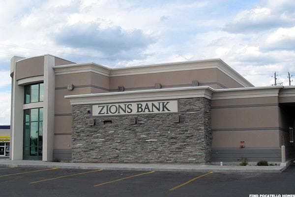 One way of identifying winners is to look at which banks had the largest year-over-year hikes in the amount of capital they expect to distribute to investors.In that category, Zions Bancorp had the largest increase of 147%, comparing this year to distributions following the 2016 stress tests. According to global investment bank RBC Capital Markets, Zions requested about $245 million in buybacks and dividends last year -- much less than the approximately $605 million it was approved to pay out over the next four quarters. Overall, Zions shifts to near the top of the pack of banks conducting distributions with a 105% of earnings payout ratio.Huntington Bancshares Inc. had the second-largest increase in distributions at 132%. According to RBC, Huntington requested about $337 million in payouts last year. This year, the bank was OK'd to do an estimated $783 million in payouts, according to RBC, a significant increase. However, even with the massive increase in payout from last year, Huntington Bancshares is near the bottom of the pack of banks in terms of its total distributions as a percentage of earnings at 69%. One reason may be that Huntington is recovering from a major $3.4 billion acquisition of FirstMerit Corp. last year, which required a lot of capital.And Bank of America Corp. had the third-largest payout increase at 107%. According to RBC, Bank of America had requested and received approval for $8 billion overall in distributions last year. This year, it got the green light for $16.6 billion, according to an analysis by RBC. Nevertheless, even with the new massively hiked distribution, Bank of America comes in near the bottom of the list of banks in terms of distributions as a percentage of earnings, with 81%.