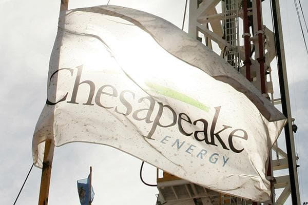 Senator Bob Corker (R-TN) bought shares of Chesapeake Energy  as a bill he cosponsored to lift a ban on oil experts made its way through Congress in 2015. The day after Congress announced the measure would be included in a must-pass spending deal, Corker sold at least $500,001 of the stock.A Corker spokesman told Politico that Corker made the sale to avoid the appearance of conflict of interest.