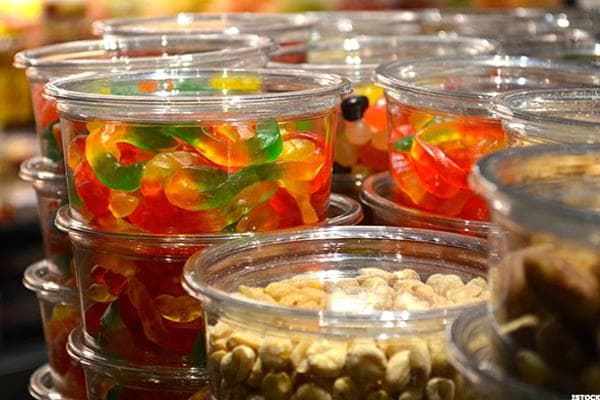 Nielsen found that 51% of Easter candy was actually bought during the two weeks leading up to Easter for the year ending Feb. 25. Last year, candy sales in the two-week period before Easter dwarfed those in the two-week period before Halloween by 20%.The National Confectioners Association estimates that more than 120 million pounds of Easter candy is purchased each year.