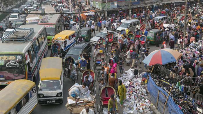 People per square kilometer: 44,000Population: 20.3 million