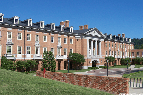 With an overall Niche.com grade of A-, Samford comes in high for academics (A-) and value (a solid A) at $27,306 per year, and posts respectable grades for both the quality of its campus (B+) and athletics (also a B+). Nationwide, Samford ranks 22 out of 747 among the most conservative colleges.