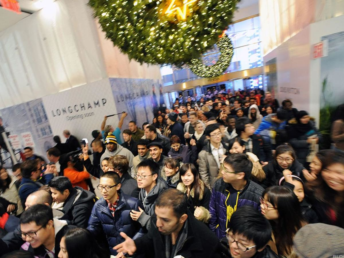 Black Friday 2019 Arrives, Less the Throngs and Fistfights - TheStreet