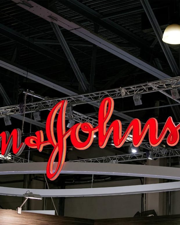 J&J Ordered to Pay $572 Million in Oklahoma Opioid Case