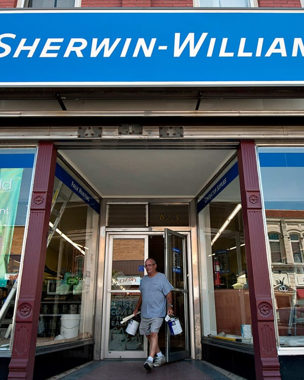 Sherwin-Williams Jumps Following Earnings Beat