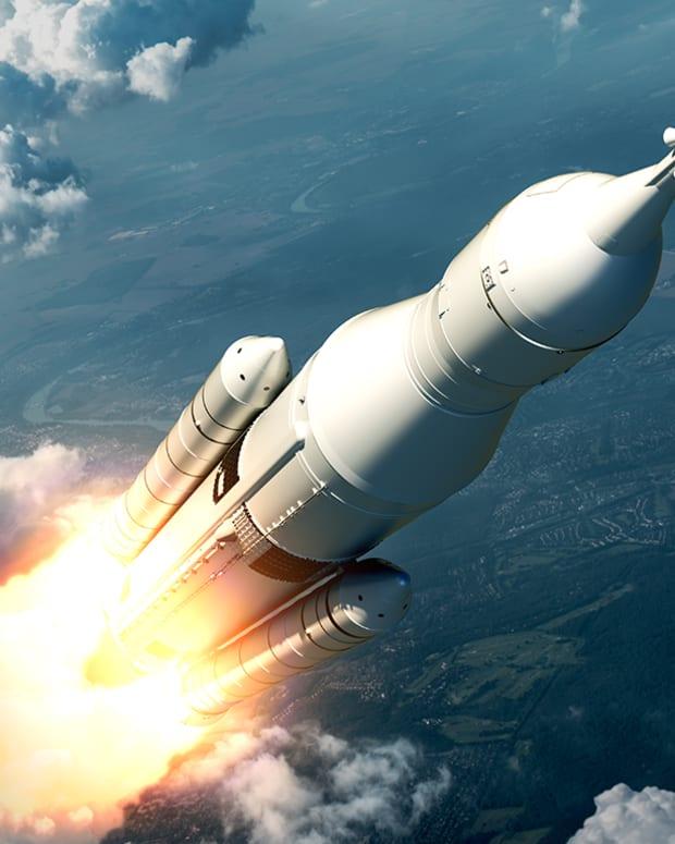 Raytheon and Lockheed Martin Lead in U.S. Hypersonic Weapon Development
