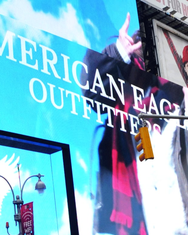American Eagle Outfitters Rises on First-Quarter Earnings Beat