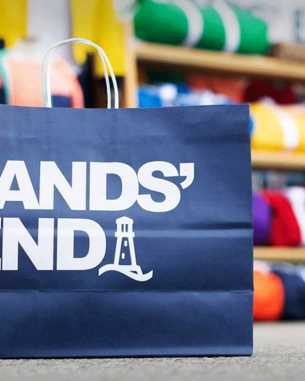 Lands' End Lands Narrower-Than-Expected Quarterly Loss