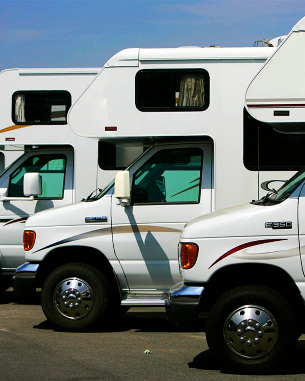 Winnebago Industries Expected to Earn $1 a Share