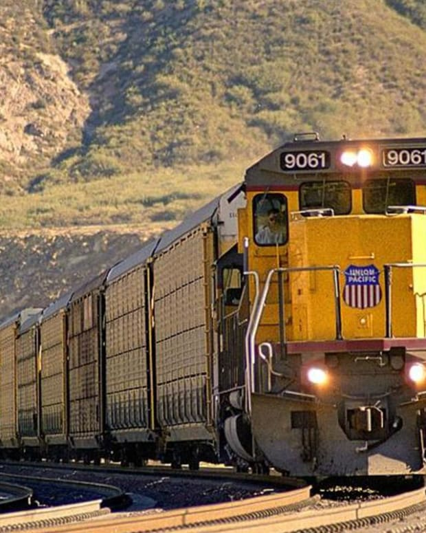 Union Pacific Missed Earnings -- What This Tells Us About Economy (Nothing Rosy)