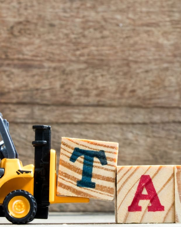 Why Child Tax Credits Are Better Than Deductions