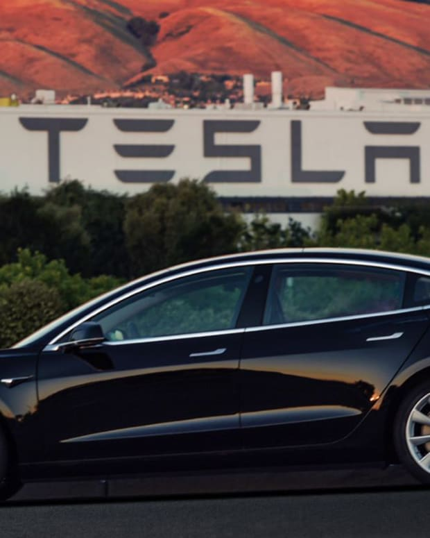 What's Tanking Tesla Stock?