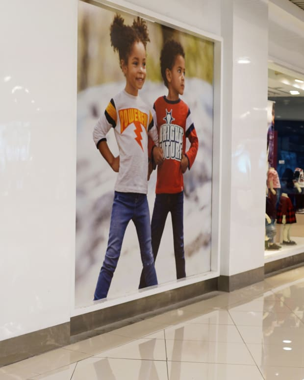 Why Investors Should Be Wary of Apparel Stocks Like Gap