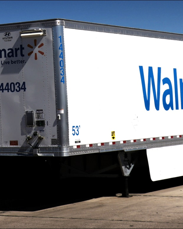 What Do Walmarts Earnings Say About the Upcoming Holiday Season?