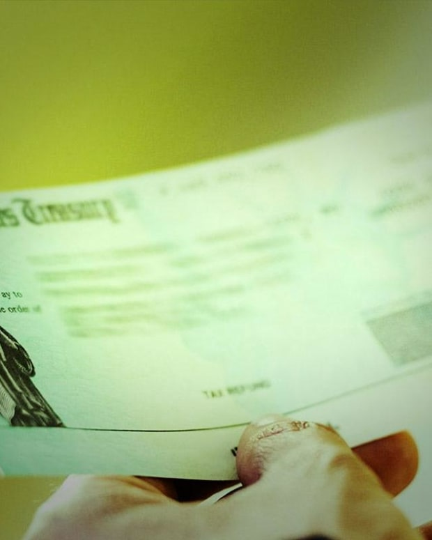 How to Avoid Penalties for Filing Late Tax Returns
