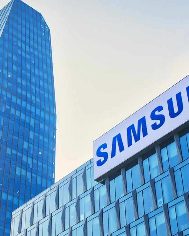 Jim Cramer: Why Samsung Is Real Money's Stock of the Day