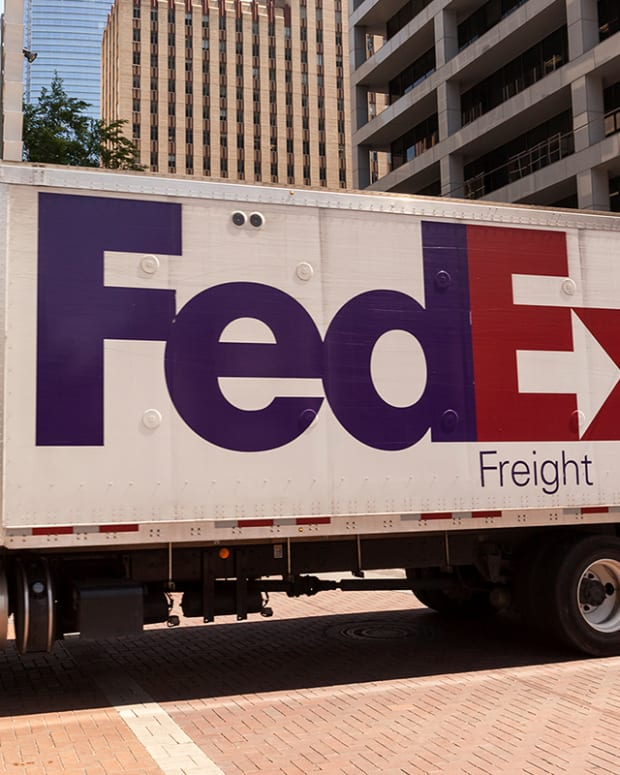 Midday Wrap: FedEx Tests Drone Deliveries, MKM Partners Initiates Cannabis