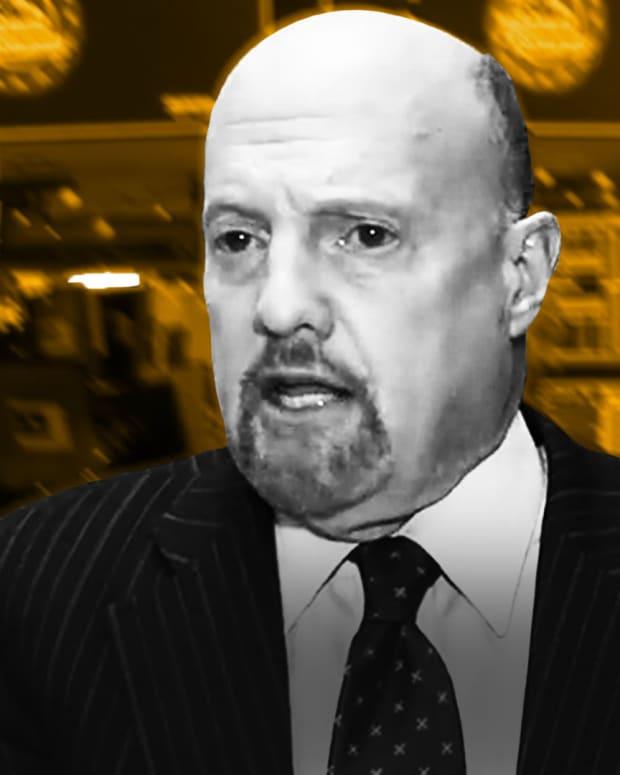 Jim Cramer Breaks Down Endeavor's Non-IPO, Market Psychology and Wells Fargo