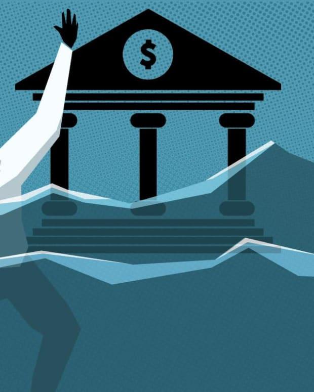 Bank Stocks a Better Long-Term Bet Than Short-Term, One Expert Says