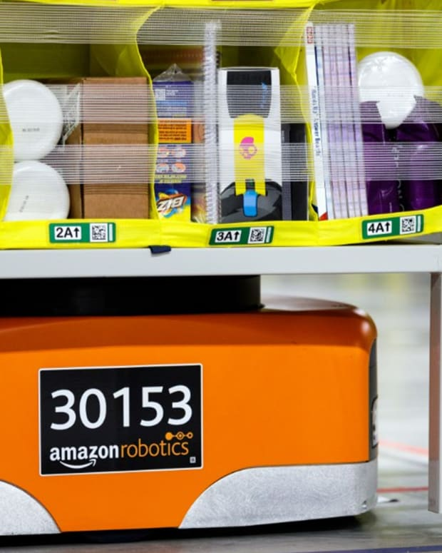 How Robots Work in Amazon Fulfillment Centers
