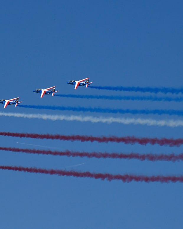 Paris Air Show Flexes Its Military Muscle