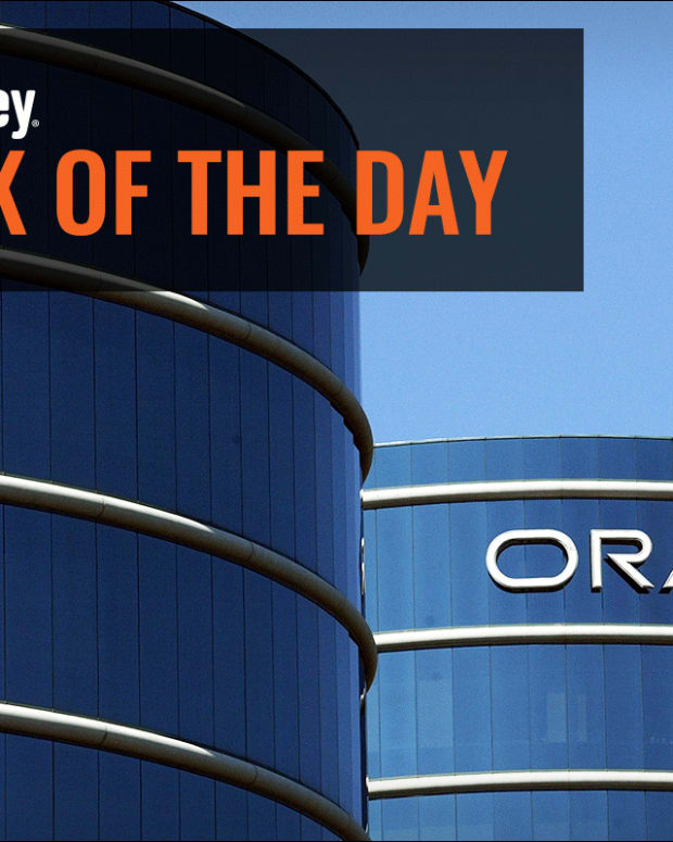 Jim Cramer: How Oracle's Strategy Is Appealing to Other Companies