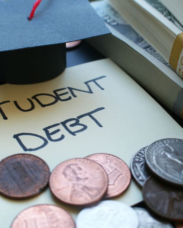 Ask the Expert: 3 Ways to Reduce Your Student Debt