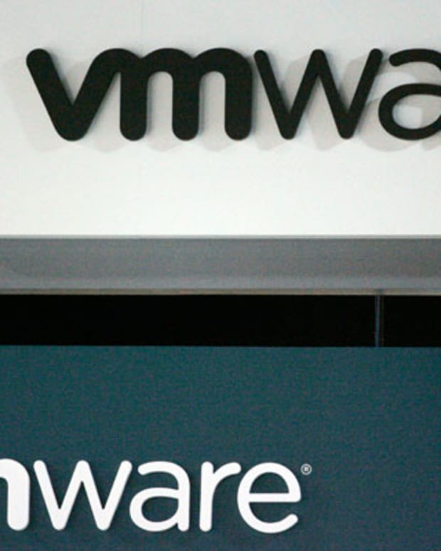 VMware Shares Plummet on Weak Outlook