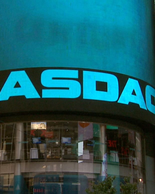 Tech Stocks Pushing the Nasdaq Lower, Dow Flat in Midday Trading