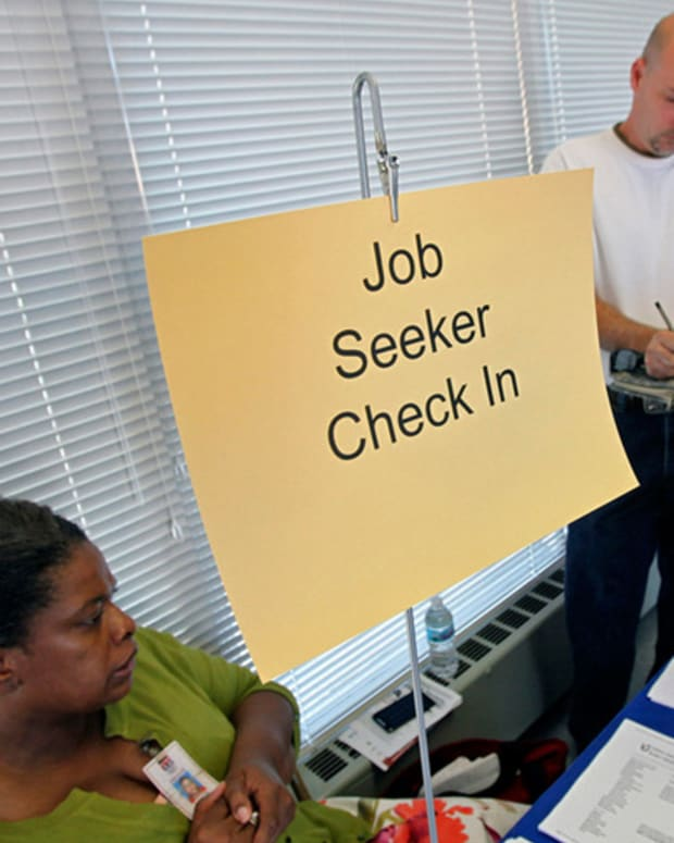 Jobless Claims Fall More than Expected, ECB Leaves Rates Unchanged
