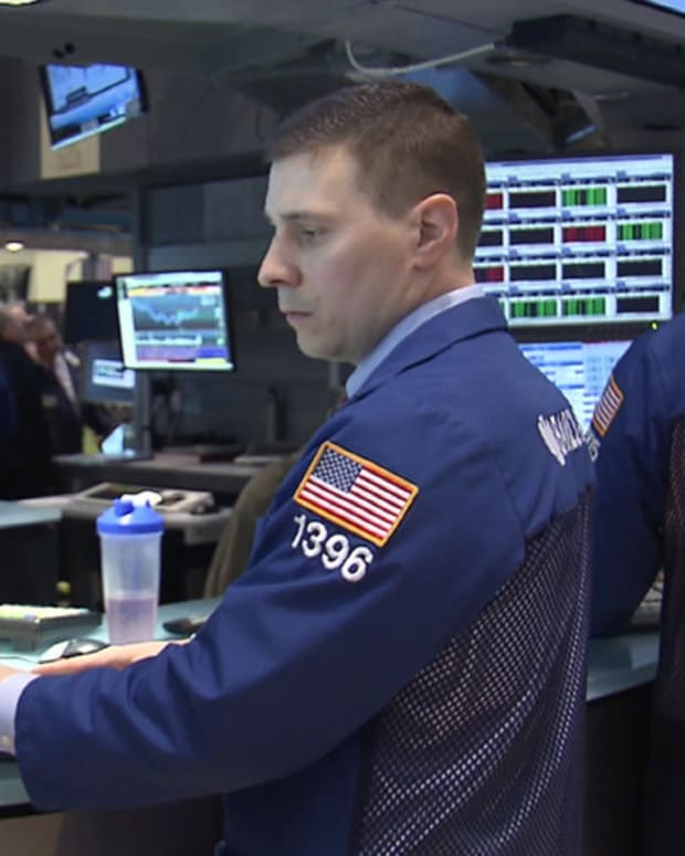 Stocks Mixed as Tech Sell Off Continues Amid Earnings Misses