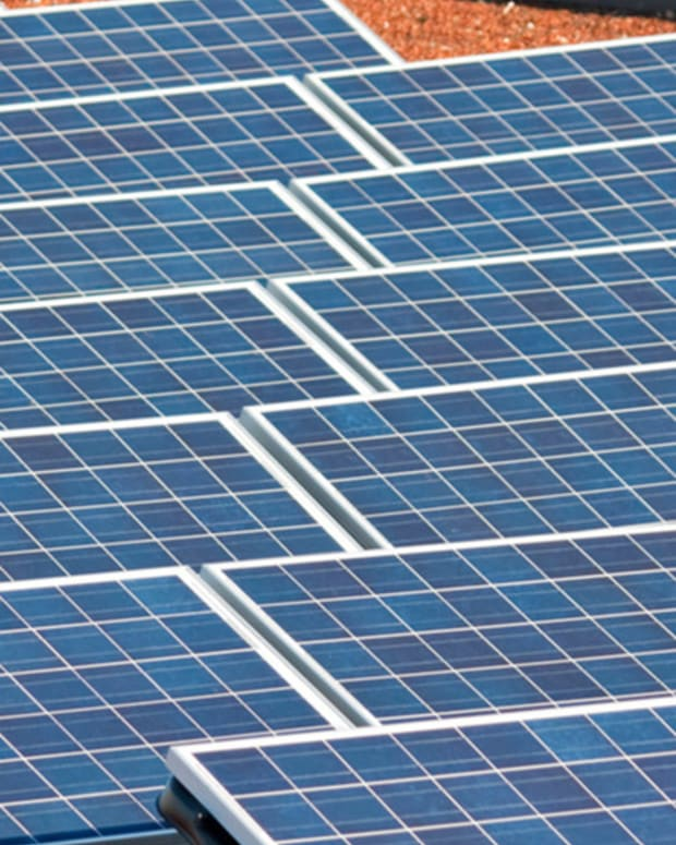 Sunrun CEO: Solar Gains Won't Be Reversed By Falling Oil Prices