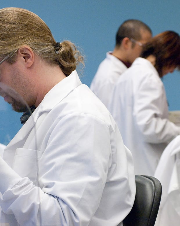 Biotech Movers: Inovio, Neurocrine, Alnylam